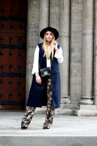 Thursday Look: Print Trousers, off shoulder & Pumps