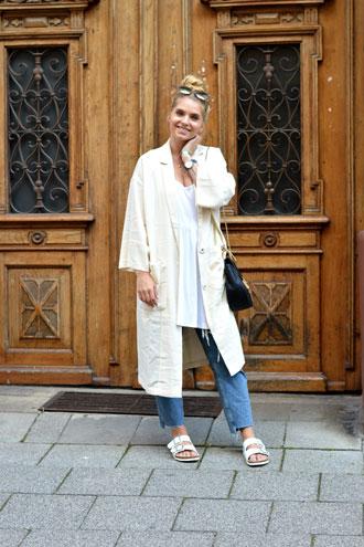 Saturday Look: oversize coat & birkenstock