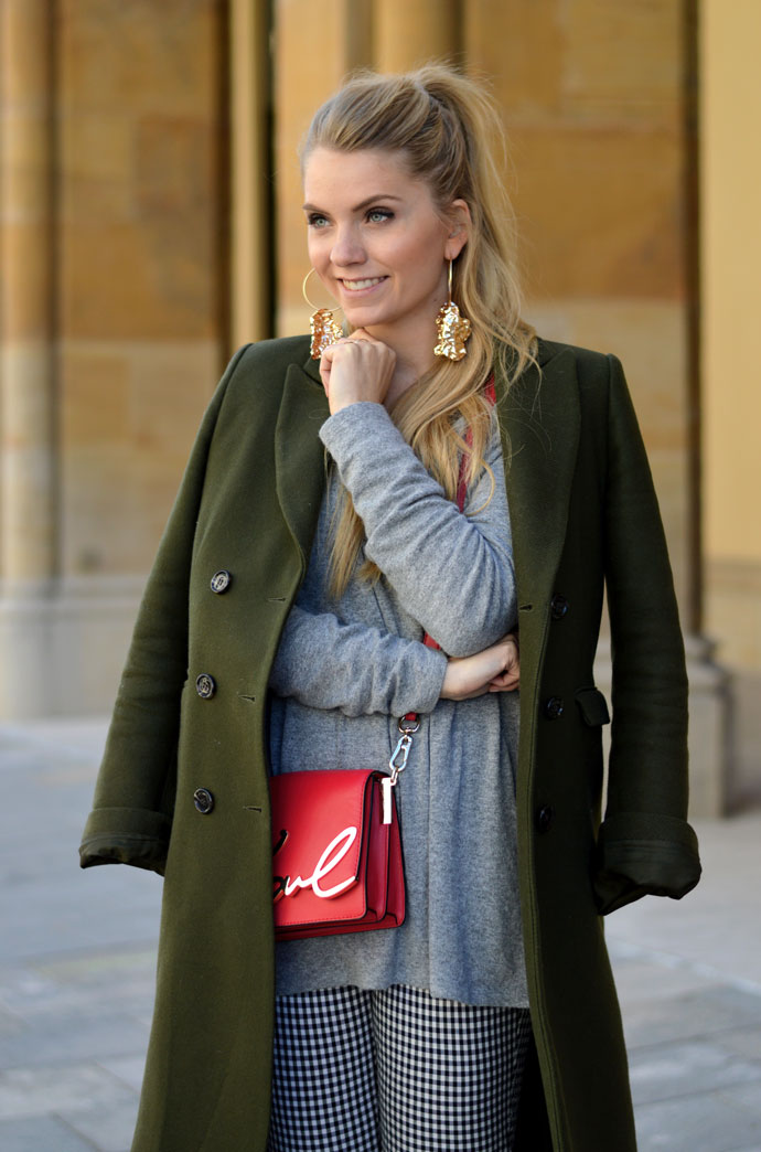 Montag Outfit: Karl Bag & Wollmantel